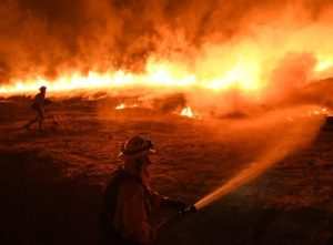 Kincade : les incendies font rage en Californie